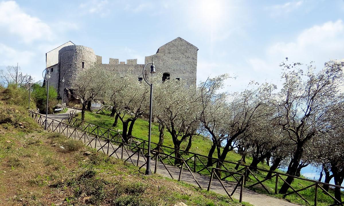 Benvenutisul sito ufficiale di ZelZar Residence Acqua del Corvo